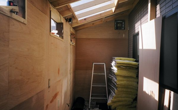 DIY物置小屋 内壁の施工