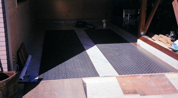 DIYガレージの床