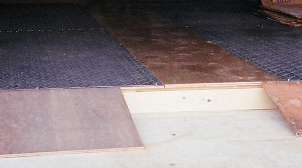 DIYガレージの床 施工例