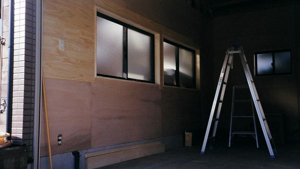 DIYガレージの壁材