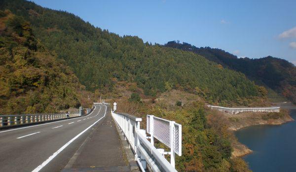 ドライブ 湖岸道路